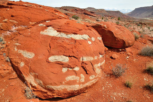Photograph - Beautiful Boulder Along Highway 191 In Utah by Ray Mathis