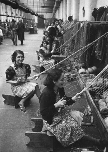 Reportage Photograph - Belfast Rope-yard by Humphrey Spender