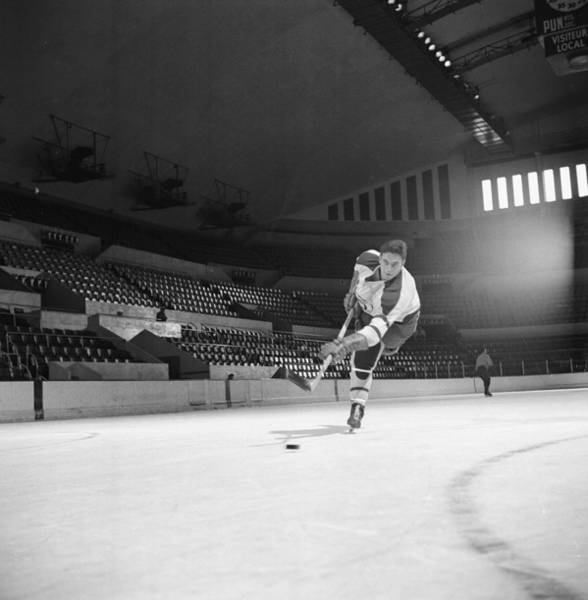 Ice Hockey Photograph - Beliveau On The Ice During Practice by Yale Joel