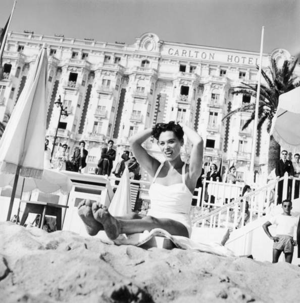 Carlton Hotel Photograph - Bella Darvi In Cannes Before The by Keystone-france
