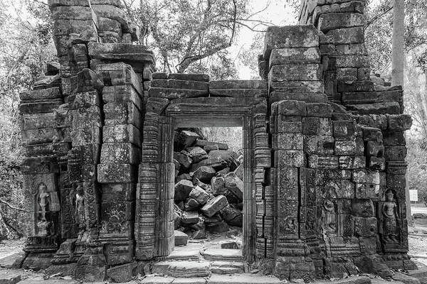 Photograph - Beng Melea Doorway by Georgia Fowler