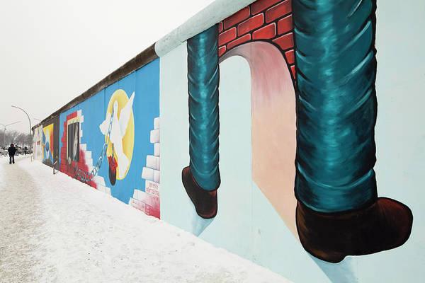 Wall Mural Photograph - Berlin Wall, Berlin, Germany by David Clapp