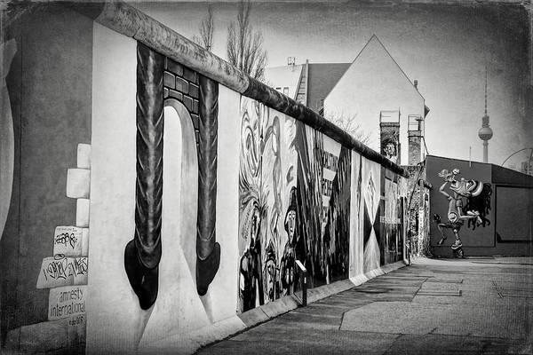 Deutschland Photograph - Berlin Wall Germany Black And White by Carol Japp