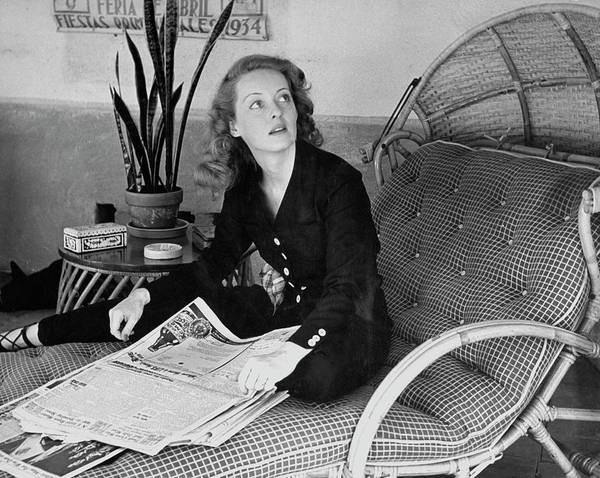 Archival Paper Photograph - Bette Davis by Alfred Eisenstaedt