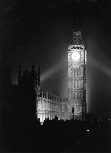 Contrasts Photograph - Big Ben Illuminated by Picture Post