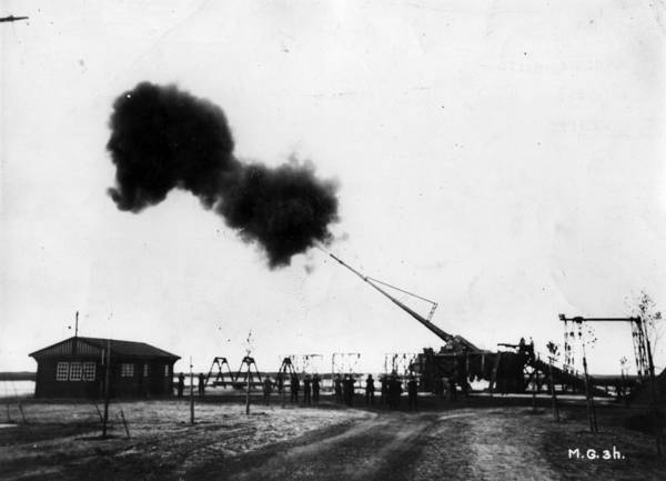 Ammunition Photograph - Big Bertha by Hulton Archive