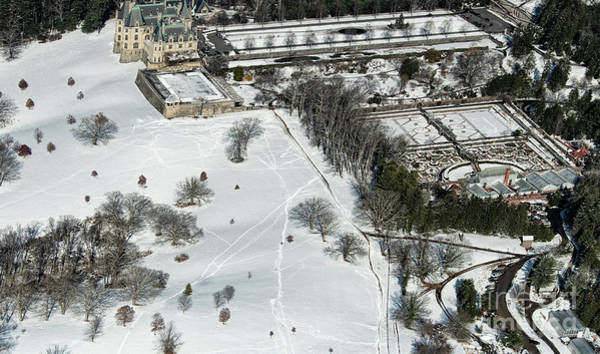 Richard Morris Hunt Wall Art - Photograph - Biltmore Estate With Snow Aerial Photo by David Oppenheimer