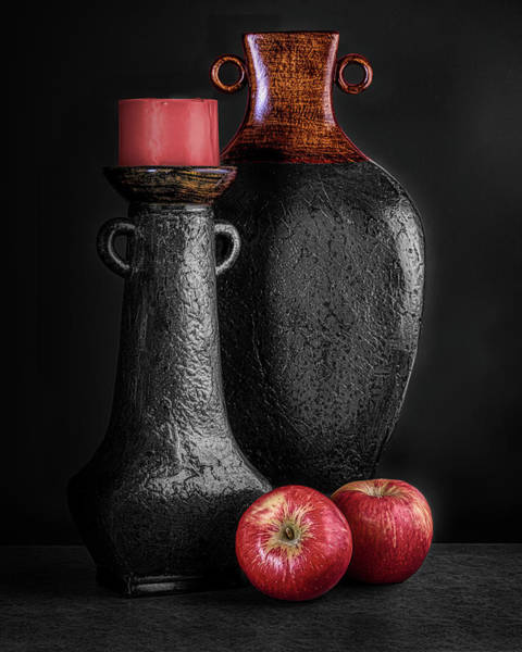 Vases Photograph - Black Vase With Red Apples by Tom Mc Nemar