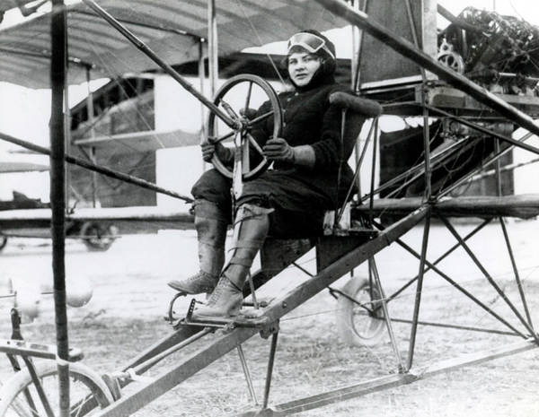 Photograph - Blanche Scott, American Aviatrix by Science Source