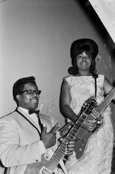 Apollo Theater Photograph - Bo Diddley At The Apollo by Michael Ochs Archives