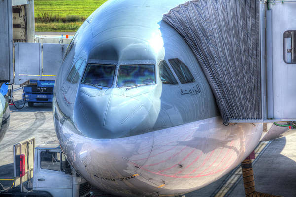 Wall Art - Photograph -  Boeing 777-300er Qatari Airlines by David Pyatt