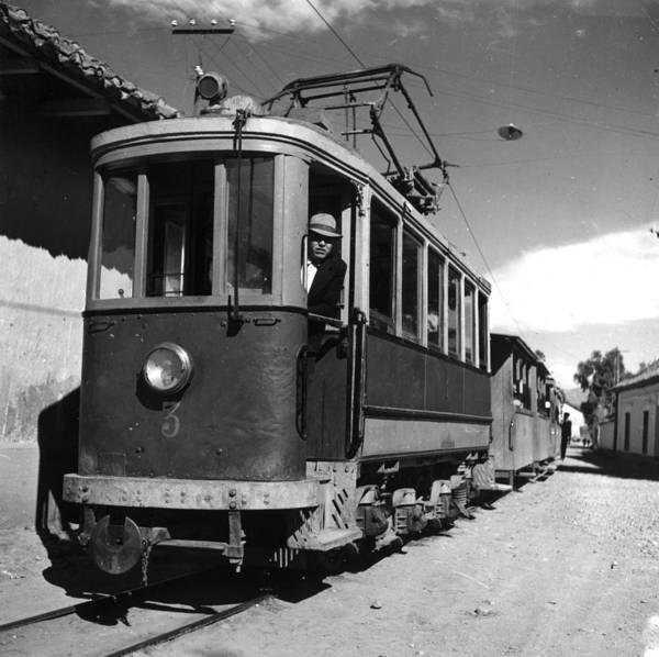 Bolivia Photograph - Bolivian Street Car by Three Lions
