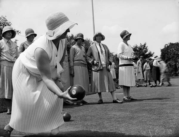 Bending Photograph - Bowling To Win by Fox Photos