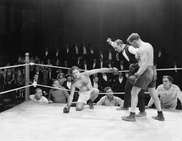 Wall Art - Photograph - Boxing Match by Everett Collection