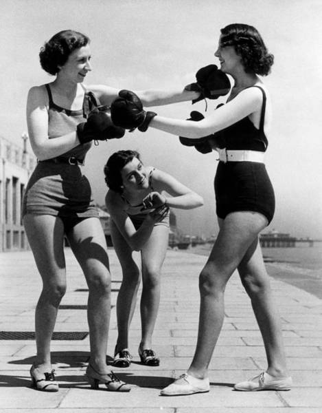 Boxing Photograph - Boxing On The Prom by William Vanderson