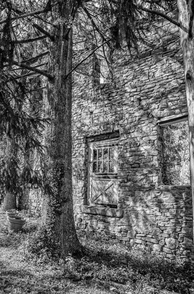 Wall Art - Photograph - Bridgetown Mill House Ruin In Bucks County In Black And White by Bill Cannon