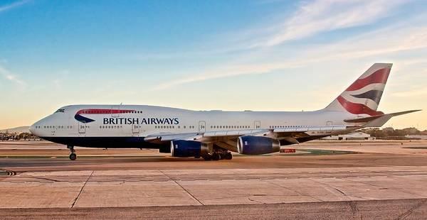 Wall Art - Photograph - British Airways Boeing 747 by Hayman Tam