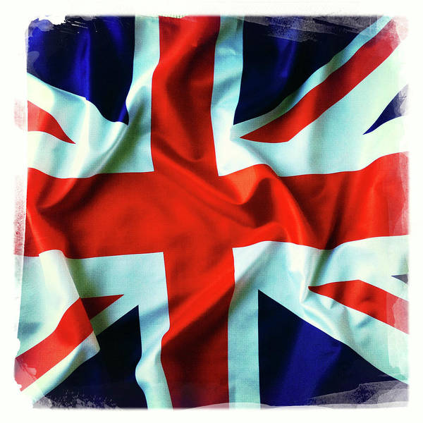 Wall Art - Photograph - British Union Jack Flag  by Les Cunliffe