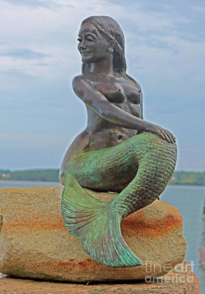 Jim Richards Photograph - Bronze Mermaid by Jim Beckwith