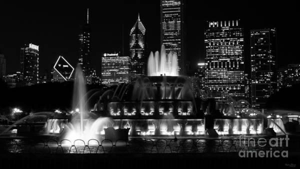 Wall Art - Photograph - Buckingham Fountain Chicago Grayscale by Jennifer White
