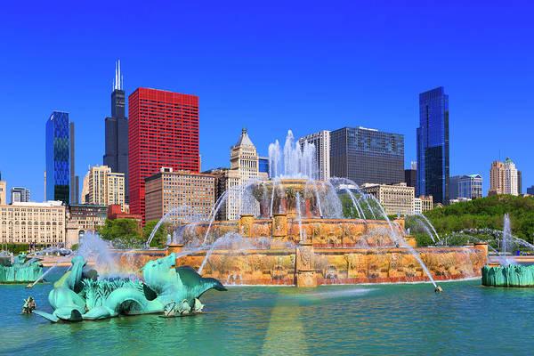 Millennium Park Photograph - Buckingham Fountain In Chicago by Pawel.gaul