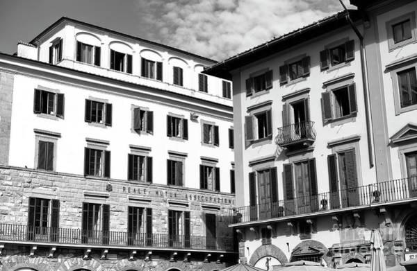 Photograph - Building Style At Piazza Della Signoria In Florence by John Rizzuto
