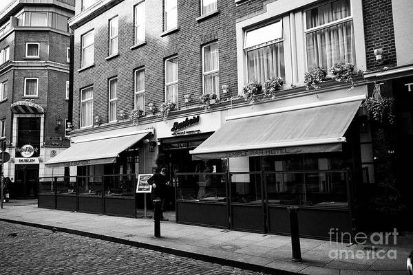 Wall Art - Photograph - Buskers Bar And The Temple Bar Hotel Dublin Republic Of Ireland Europe by Joe Fox