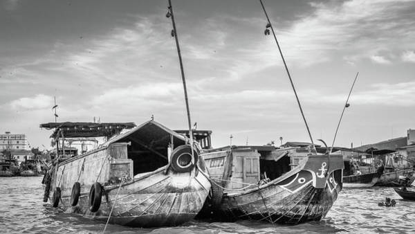 Photograph - Bw Can Tho Boats Vietnam by Gary Gillette