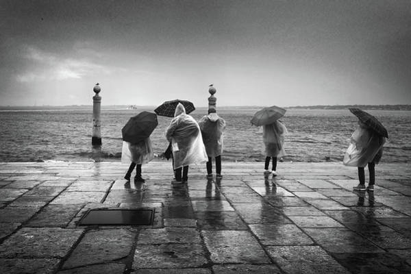 Wall Art - Photograph - Cais Das Colunas In The Rain by Carlos Caetano