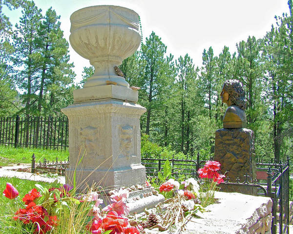 Wild Bill Hickock Photograph - Calamity Jane's Grave Next To Wild Bill Hickok's In Mount Moriah Cemetery In Deadwood, South Dakota  by Ruth Hager