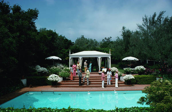 Wall Art - Photograph - California Garden Party by Slim Aarons