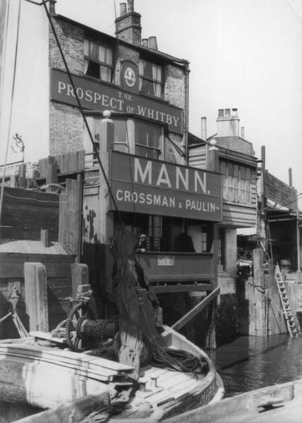 Narrow Boat Wall Art - Photograph - Canal Pub by Hulton Archive