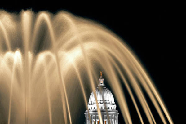 Photograph - Capitol Fountain In Color by Todd Klassy