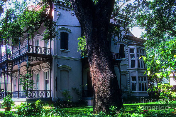 Photograph - Carroll-crawford House by Bob Phillips