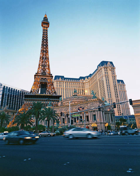 Las Vegas Photograph - Casino On Las Vegas Strip, Nevada by Tom Mcghee