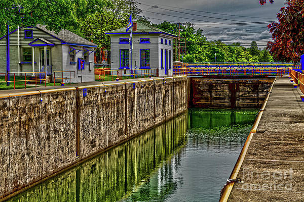 Photograph - Cayuga Seneca Canal Lock 4 by William Norton