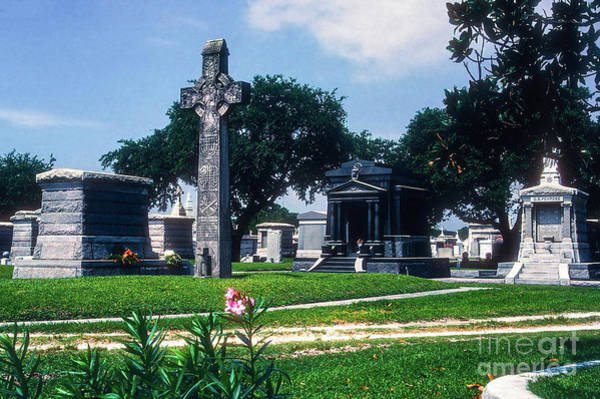 Photograph - Celtic Cross In Metairie Cemetery by Bob Phillips