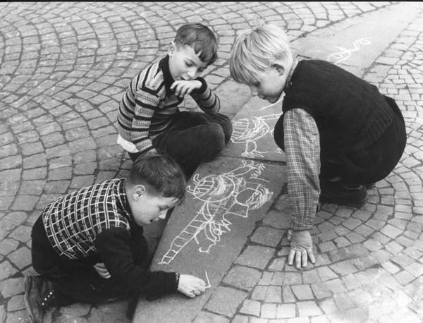 1958 Photograph - Chalk Drawings by Keystone
