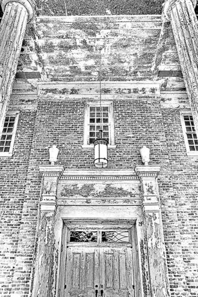Photograph - Chapel Of Hope Columbia State Hospital Entrance Black And White by Lisa Wooten