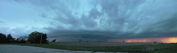 Photograph - Chester Nebraska Supercell 018 by Dale Kaminski