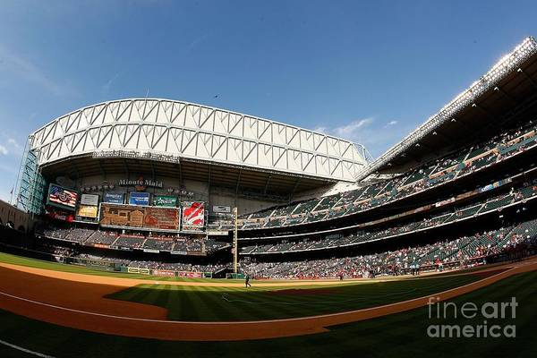 Minute Photograph - Chicago Cubs V Houston Astros by Chris Graythen
