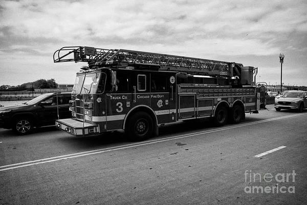 Wall Art - Photograph - Chicago Fire Department Ladder Truck Chicago Il Usa by Joe Fox