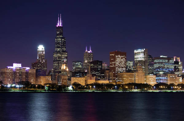 Photograph - Chicago Loop Skyline Next To The Water by Chrisp0