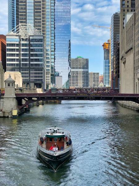 Photograph - Chicago River Cruise by Brian Eberly