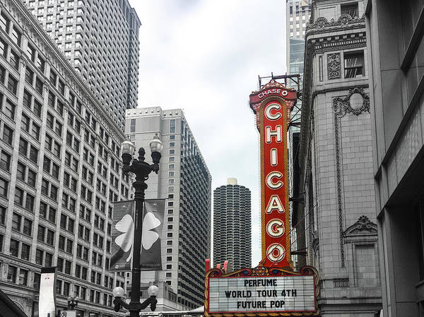Wall Art - Photograph - Chicago Theatre Sign by Art Spectrum