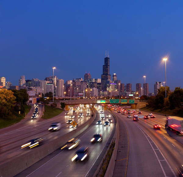 Willis Tower Photograph - Chicago Traffic At Dusk by Chrisp0