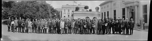Wall Art - Photograph - Chinese Delegation At The White House by Fred Schutz Collection