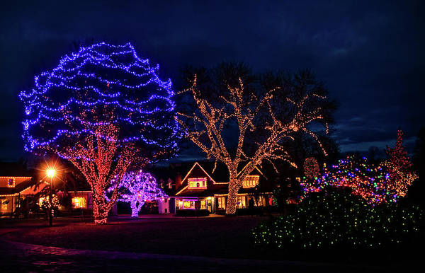 Photograph - Christmas At Peddlers Village by Carolyn Derstine