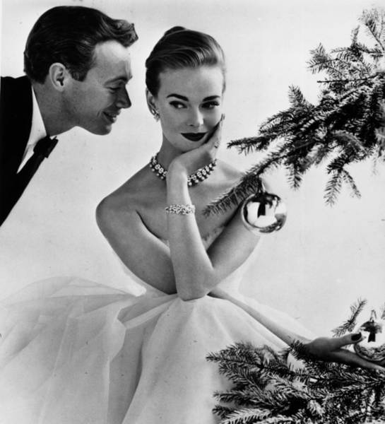 Heterosexual Couple Photograph - Christmas Courting by John French