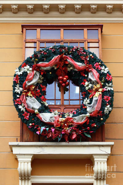 Photograph - Christmas Wreath And Colonial Window by James Brunker